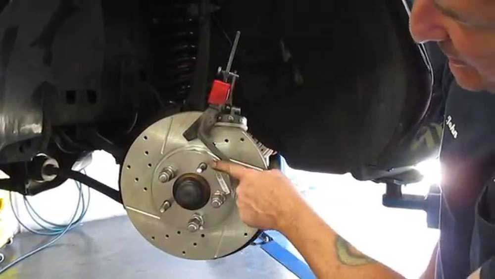 How to check Brake Rotor Runout